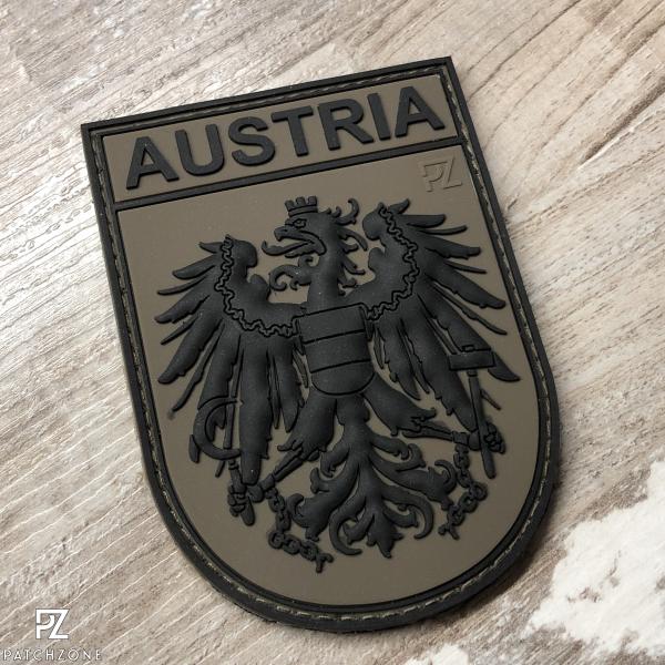 Österreich Nationalitätsabzeichen (vers. Farben)